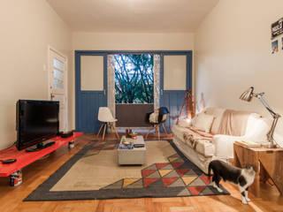 Phòng khách theo Aptar Arquitetura, Nhiệt đới
