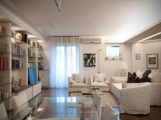 Flat Parade Soggiorno classico di Orsini Architects Classico