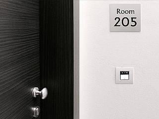 Ingresso camere: Hotel in stile  di nicola castellano | designer