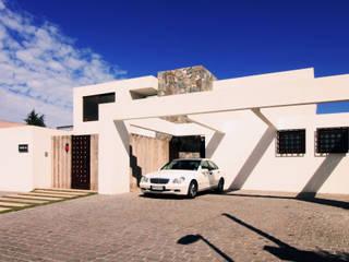 Condominio Huinganal Casas de estilo mediterráneo de Carvallo & Asociados Arquitectos Mediterráneo