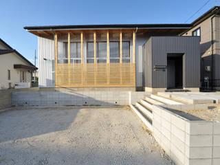 コンパクトな家: 杉浦建築計画事務所が手掛けた家です。