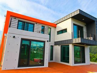 직선의 미학을 보여주는 모던 전원주택 모던스타일 주택 by 한글주택(주) 모던