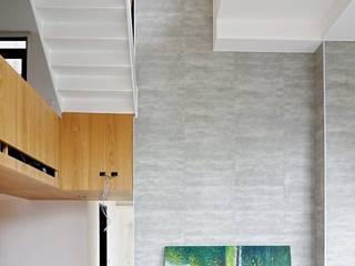 SOHO之家 现代客厅設計點子、靈感 & 圖片 根據 行一建築 _ Yuan Architects 現代風