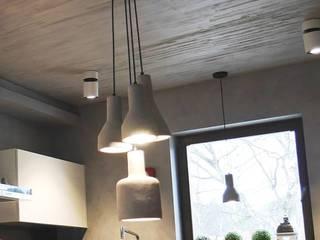 Beton w kuchni Minimalistyczna kuchnia od Studio Stylizacji Wnętrz i Wizerunku Minimalistyczny
