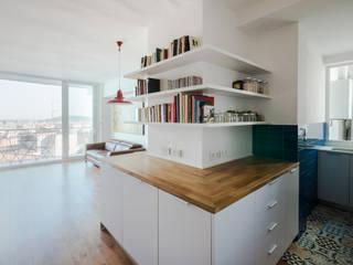Cozinhas minimalistas por ADMETLLER arquitectura Minimalista