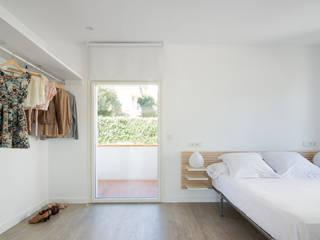 Scandinavian style bedroom by ADMETLLER arquitectura Scandinavian