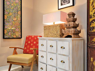 Living room by RANAH, Eclectic
