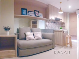 2 Bedrooms - Bassura City Apartment:  Ruang Keluarga by RANAH