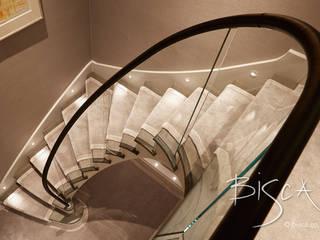 Carpeted Staircase, Newcastle Bisca Staircases Pasillos, vestíbulos y escaleras de estilo clásico