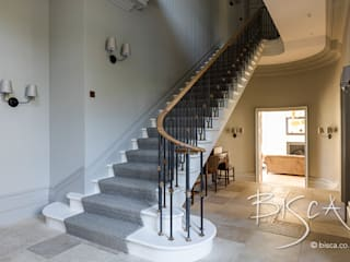 Georgian Style Staircase: classic Corridor, hallway & stairs by Bisca Staircases