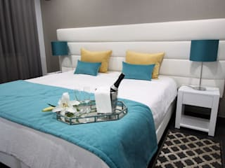 H&P Mobiliário e Decoração BedroomBeds & headboards Yellow