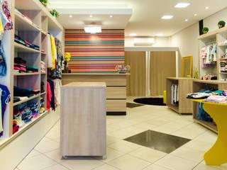 Loja Amora Melão - Marialva-PR: Lojas e imóveis comerciais  por UNNA ARQUITETURA