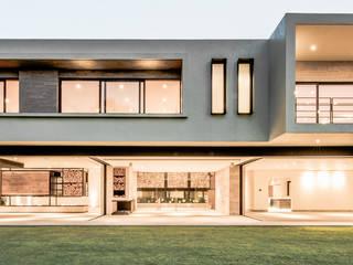 Maisons modernes par Sobrado + Ugalde Arquitectos Moderne