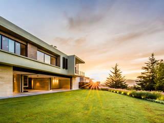 Sobrado + Ugalde Arquitectos Будинки