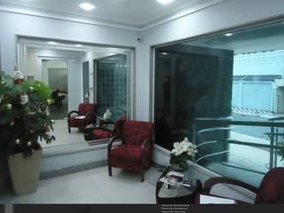 Hall de Entrada: Corredores e halls de entrada  por Levolú Interiores e Arquitetura,Moderno