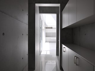 Modern Corridor, Hallway and Staircase by 門一級建築士事務所 Modern