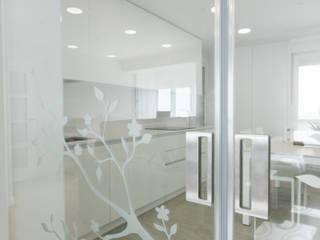 modern  by Rooms de Cocinobra, Modern