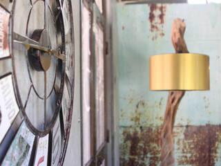 REMODELAÇÃO DE CAFÉ ESTILO INDUSTRIAL Salas de estar industriais por Glim - Design de Interiores Industrial