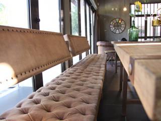 Mobiliário personalizado - Mesas e Bancos corridos Capitoné:  industrial por Glim - Design de Interiores,Industrial