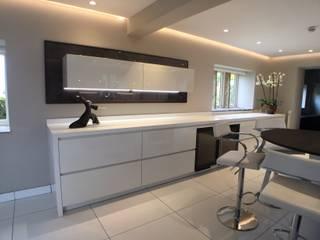 Hey-Doherty's Kitchen Modern kitchen by Diane Berry Kitchens Modern