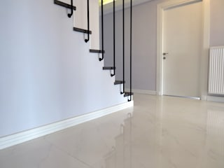Modern Corridor, Hallway and Staircase by MİMPERA Modern
