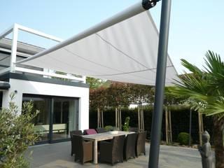 Balcones y terrazas de estilo clásico de Mester Fenster-Rollladen-Markisen Clásico