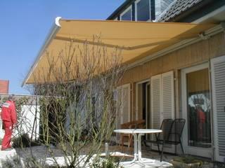Mester Fenster-Rollladen-Markisen Balkon, Beranda & Teras Klasik