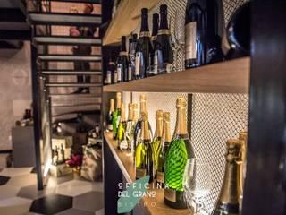 interno  wine bar: Finestre in stile  di      Massimo Viti Architetto                                   studio Architectural Make-Up+