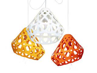 ZAHA LIGHT трехцветная трехрожковая люстра 3:  в . Автор – Spaces Bureau