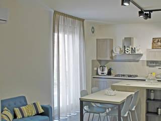 Buona la prima: Cucina in stile  di  LAB 360 - Architettura e Design, Moderno