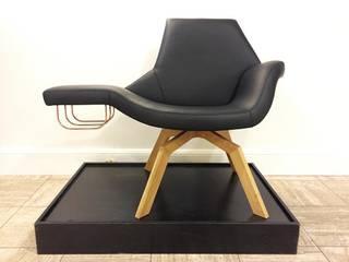 Lounge Chair Fyrsta: modern  door Çedille by Françoise Oostwegel, Modern