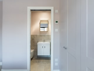Extension & Renovation, East Sheen, SW14 Modern bathroom by TOTUS Modern