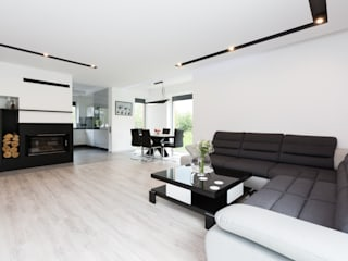 minimalistic Living room by in2home