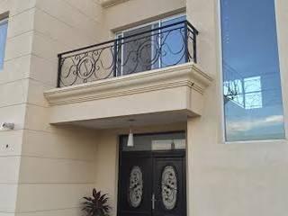 PROYECTO CASA EN SAN SEBASTIAN.BUENOS AIRES Casas clásicas de Gustavo Guevara arqto. Clásico