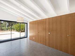 Salones mediterráneos de Aina Deyà _ architecture & design Mediterráneo