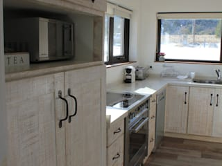 homify Rustic style kitchen