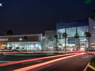 Galerias Guadalajara: Centros Comerciales de estilo  por Grupo Link