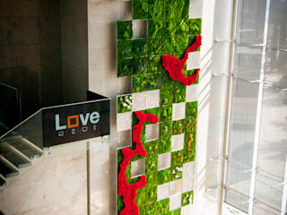 Jardín vertical en hall de entrada oficinas centrales Orange (Madrid) Landscapers Edificios de oficinas de estilo moderno