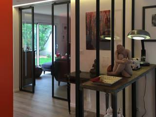 Rénovation d'une maison à Nantes (44) Couloir, entrée, escaliers industriels par Anne Wodrascka Industriel