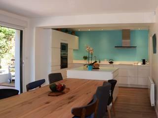 Rénovation d'une maison à Nantes (44) Cuisine moderne par Anne Wodrascka Moderne