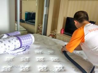 SapuBersih.id Dormitorios de estilo asiático