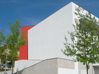 Minimalist house by GUIDA_Gabinete de Urbanismo, Interiores, Desenho e Arquitetura Minimalist