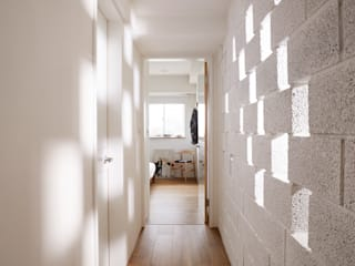 newborn 弘悅國際室內裝修有限公司 現代風玄關、走廊與階梯 磚塊 White
