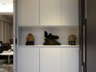 The whole family 現代風玄關、走廊與階梯 根據 弘悅國際室內裝修有限公司 現代風