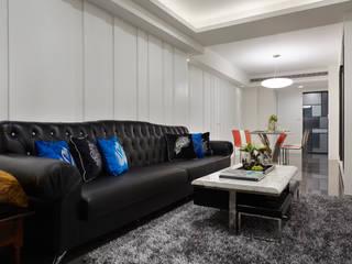 The whole family 弘悅國際室內裝修有限公司 现代客厅設計點子、靈感 & 圖片 MDF White