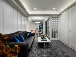 Projekty,  Salon zaprojektowane przez 弘悅國際室內裝修有限公司