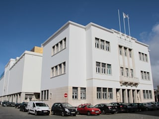 Nova Sede da Fundação Oriente Escritórios modernos por PK Moderno