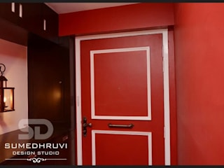 Main Door with Shoe Rack (inside residence):  Corridor & hallway by SUMEDHRUVI DESIGN STUDIO