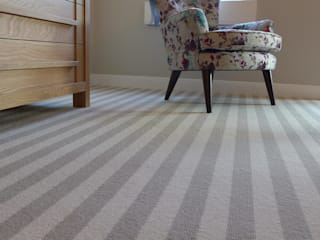 striped bedroom carpet Style Within Pareti & PavimentiTappeti e moquette Lana Grigio