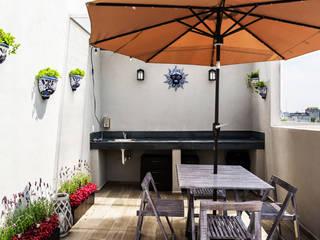 Hiên, sân thượng theo Erika Winters Design, Hiện đại